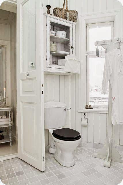 toves sammensurium plutselig vinterhvitt bathroom. Black Bedroom Furniture Sets. Home Design Ideas