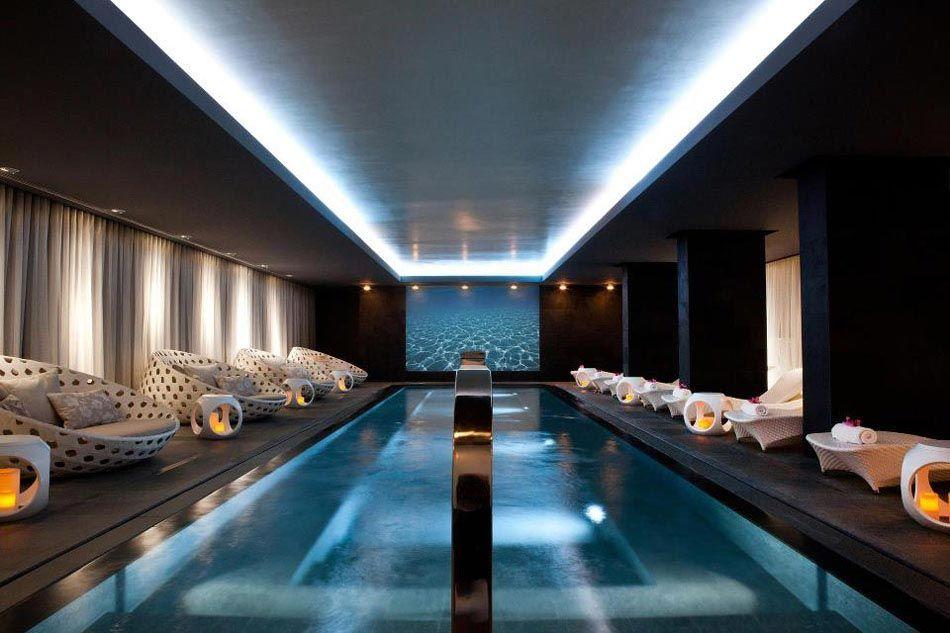Top La piscine intérieure – un rêve pour profiter de l'eau tout au  FH23