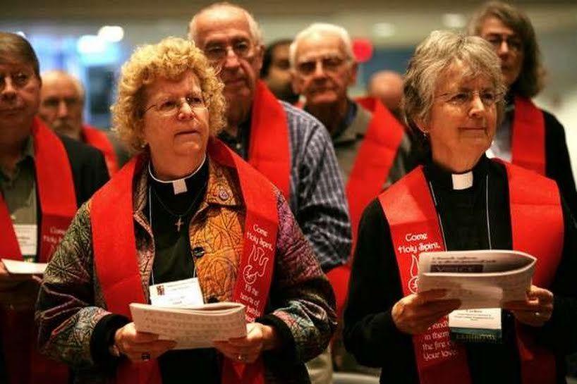 Women priests - es