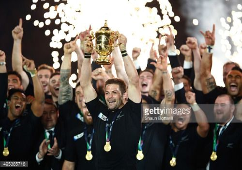 02-27 LONDON, ENGLAND - OCTOBER 31: Richie McCaw of New... #twickenham: 02-27 LONDON, ENGLAND - OCTOBER 31: Richie McCaw of… #twickenham