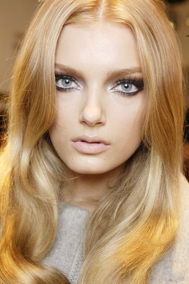 Lily Donaldson//artistic lines look so neat and create a retro look.