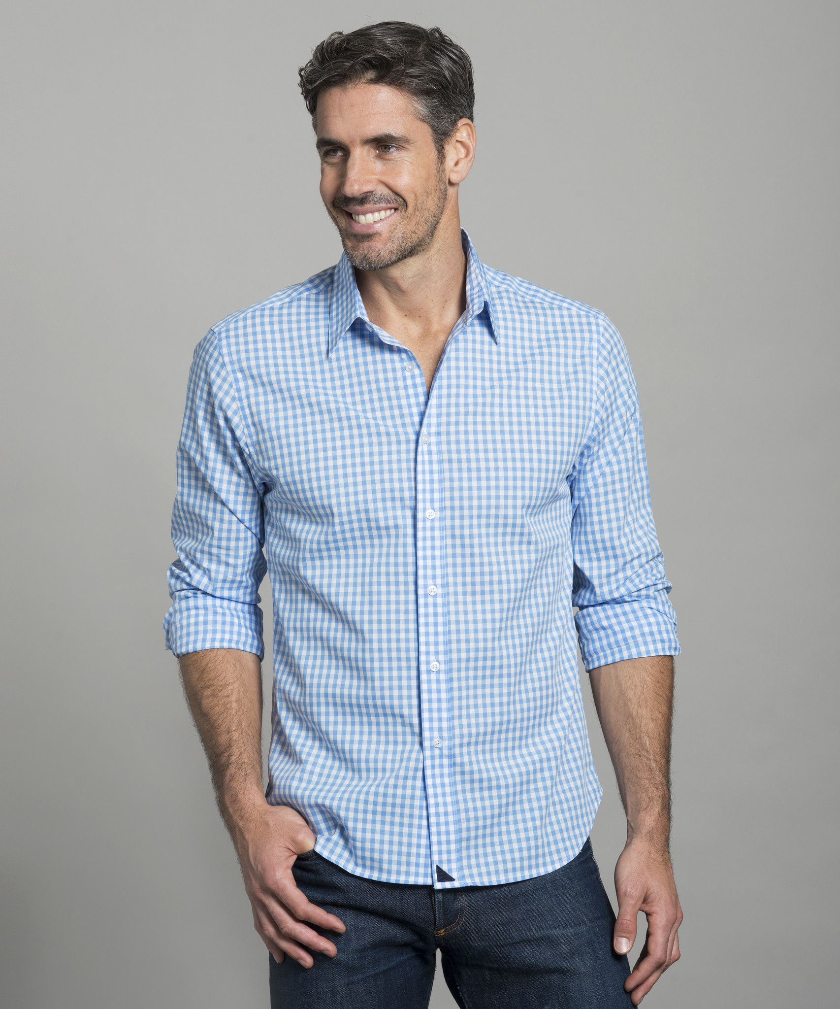Untuckit men 39 s shirts guy smart casual and stylish men for Casual button down shirts untucked
