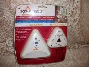 TOT/PETS/ELDERLY RESCUE LOCATOR TRANSMITTER, NEW IN BOX, HELPS EMGERGENCY PERSONNEL LOCATE YOUR TOTS, PETS, ELDERLY IN CASE OF A FIRE, CONNECTS UP TO A SMOKE DETECTOR NO WIRING TAKES 4AA BATTERIES, NOT INCLUDED.