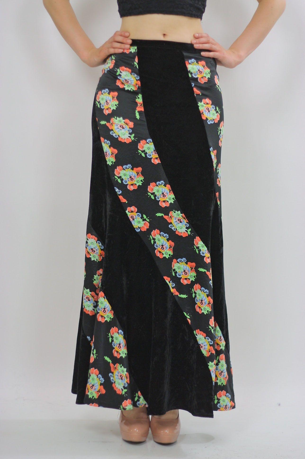 ddc87aca65 Grunge maxi skirt Content: Rayon stretch velvet, polyester Color: Black  velvet, Floral
