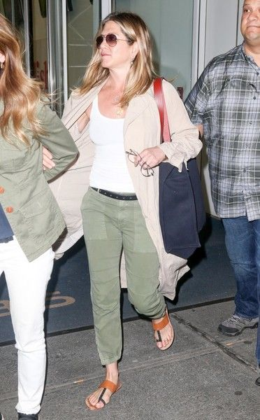 d288000722d5 Jennifer Aniston Thong Sandals - Jennifer Aniston kept it super comfy in thong  sandals