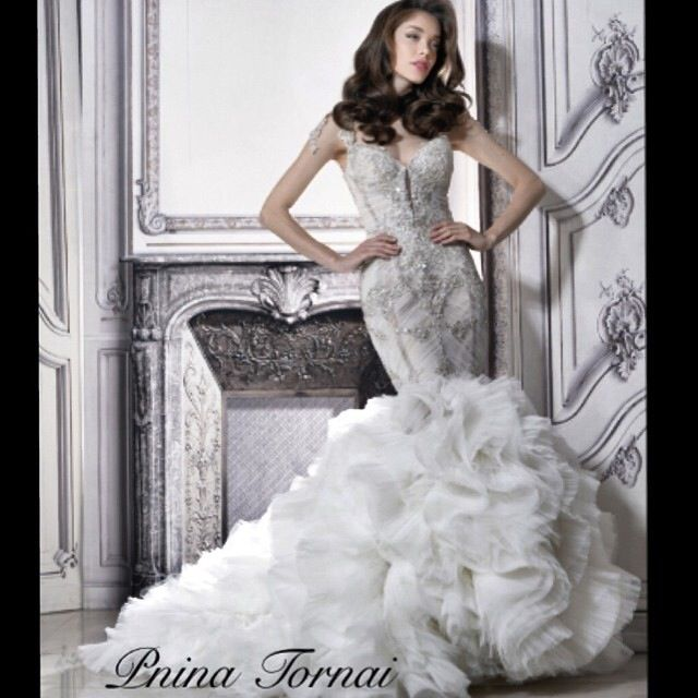 This gown by Pnina Tornai looks like a modern \