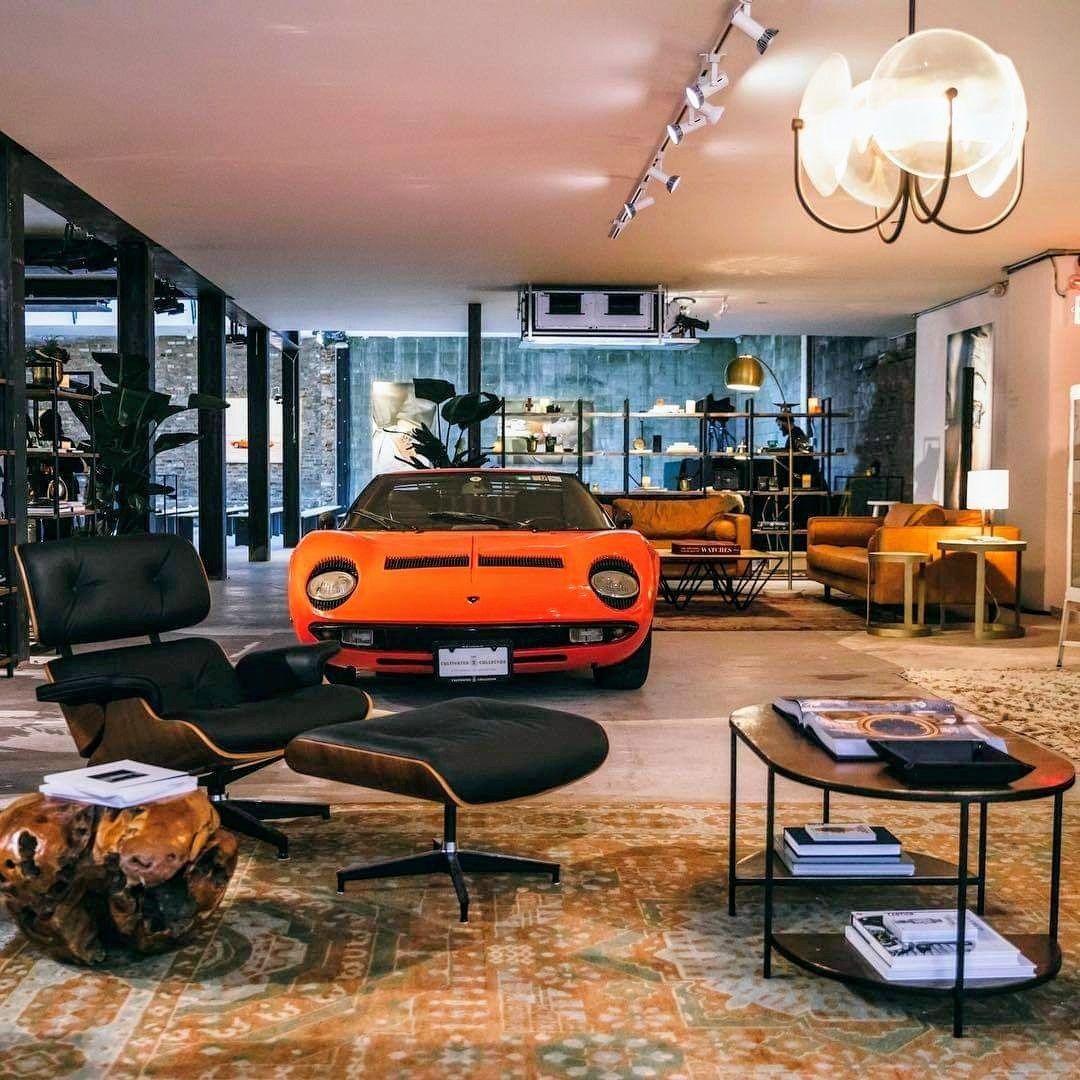 Auto E Vita Italiana On Twitter In 2021 Garage Design Luxury Garage Garage Interior