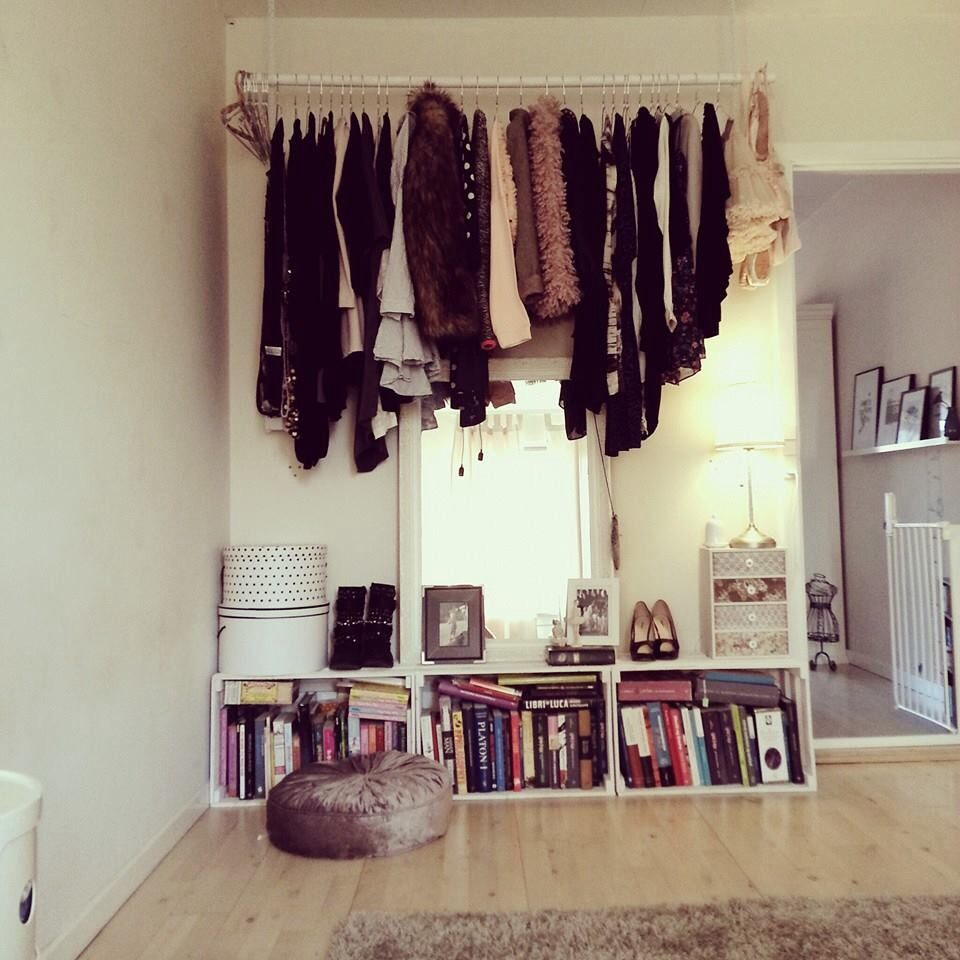 How To Put Up Your Clothes In A Smart And Fashion Styled Way. :)