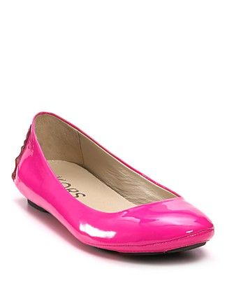 6d15d2c48 i LOVE Michael Kors flats, they are my favorite.. and now in my favorite  color.. I have to start saving!!