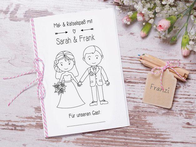 Mit Diesem Sussen Mal Und Ratselbuch Wird Es Euren Kleinen Hochzeitsgasten Garantiert Nicht Langweilig Das Kids Holiday Gifts Kids Favors Gifts For Kids