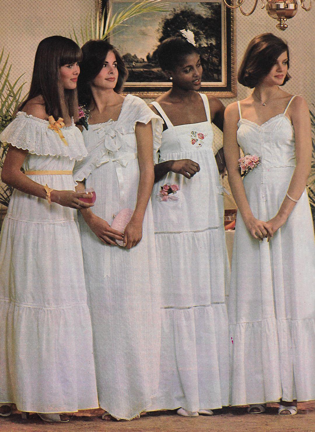 1970s Fashion Real Romantics Let Longdresses Set The Mood Byron S Muse Prom Dresses Vintage 70s Vintage Fashion Vintage Outfits [ 1481 x 1080 Pixel ]