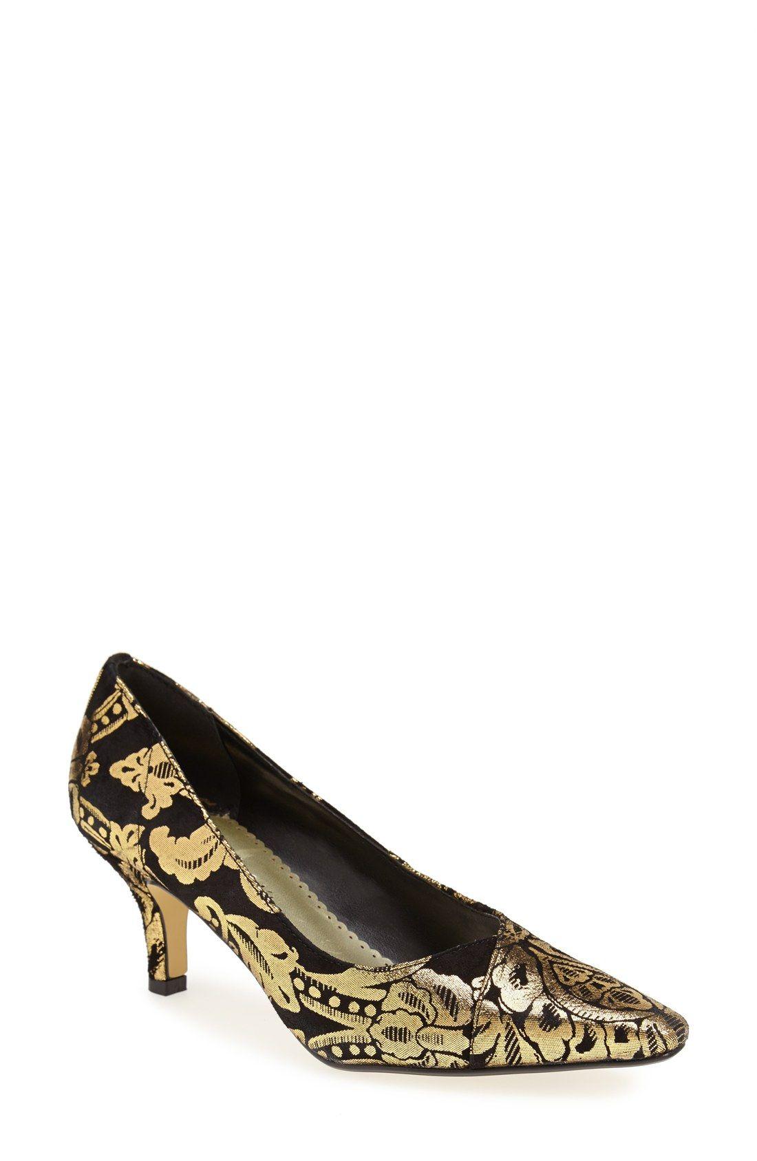 Women S Shoes With Images Kitten Heel Shoes Heels Kitten Heel Pumps