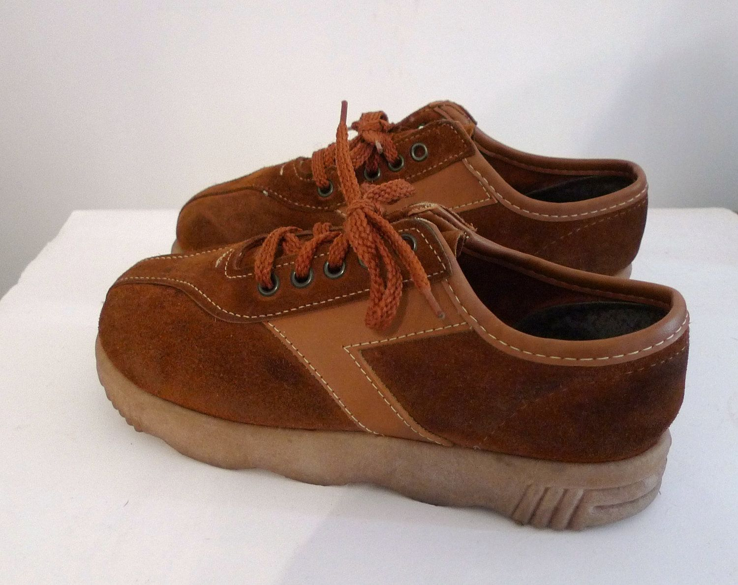 Items similar to SALE Vintage 70s Whiskey Platform Sneakers Oxford Shoes/  Wavy Famolare-like Crepe Sole on Etsy