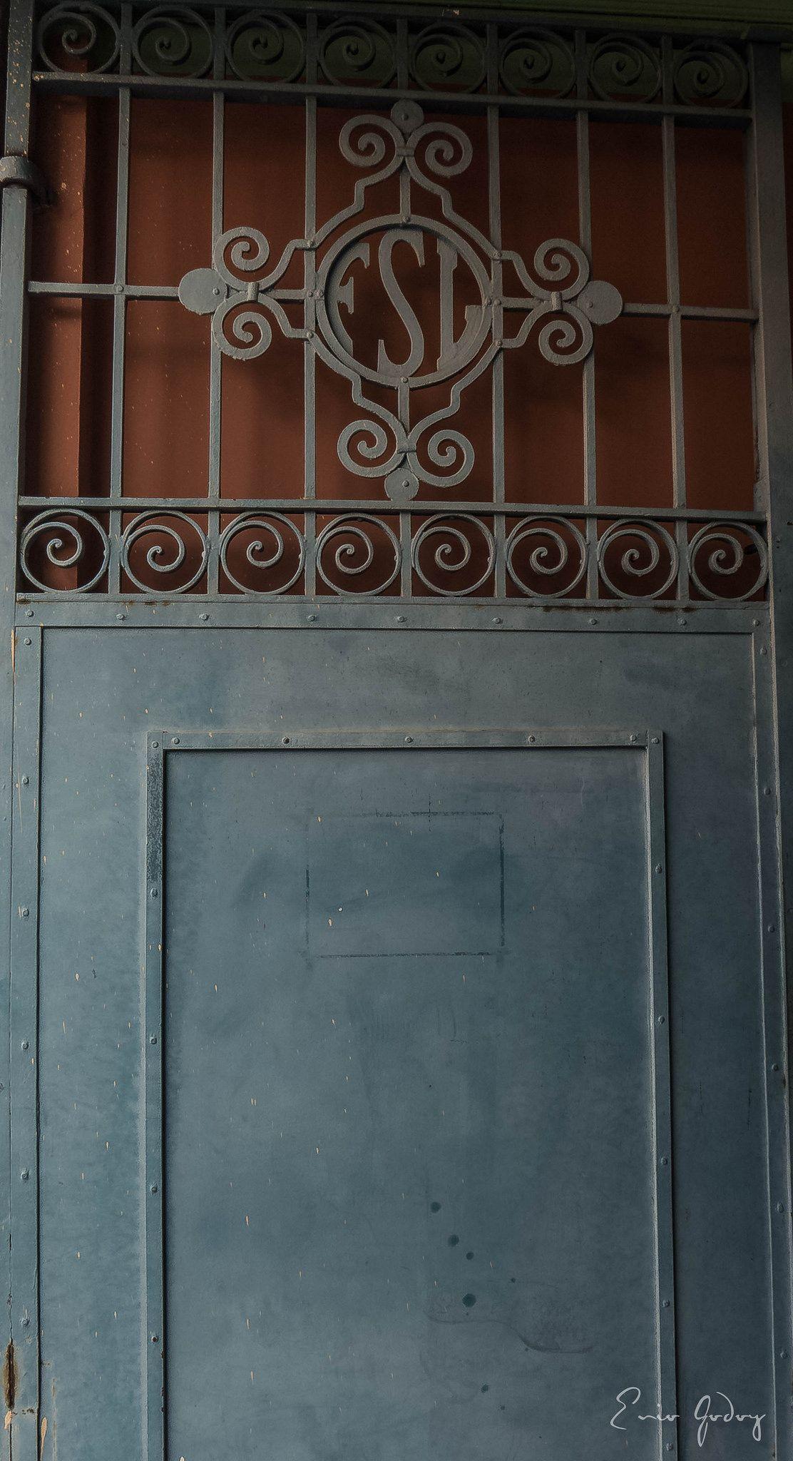 https://flic.kr/p/yp1pSy | Gateway - FSL - #gateway #details #minimalist #travel #ituspaulo #itu #leica #leicadlux6 #geometric