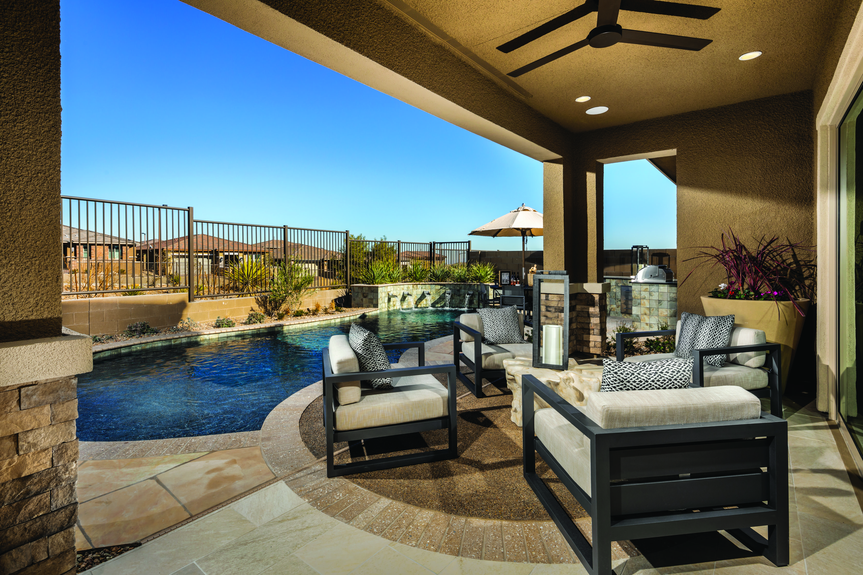 Make A Splash With This Impressive Outdoor Room And Pool From Shadow Point Solstice Model Home In Las Vegas Nv Luxury Homes House Design Highland Homes