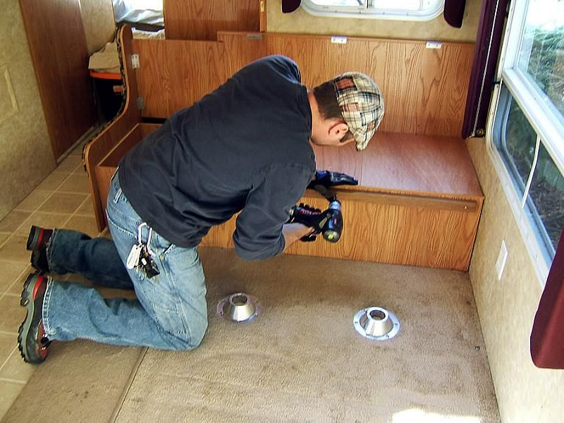 Give Your Old RV A Facelift: Replace The RV Furniture. Travel Trailer ...