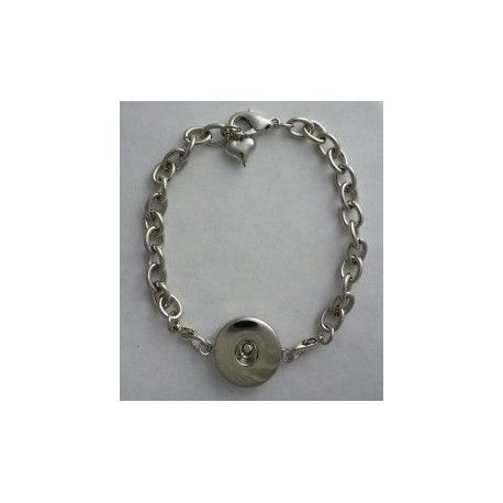 Single Snap Adjustable Lobster Claw Bracelet - I love that this bracelet is simple, and only has a spot for 1 snap. This way I can easily change the look with a modern, vintage or colorful snap.  https://www.endlessxpressions.com/rep/#JenniferSandru
