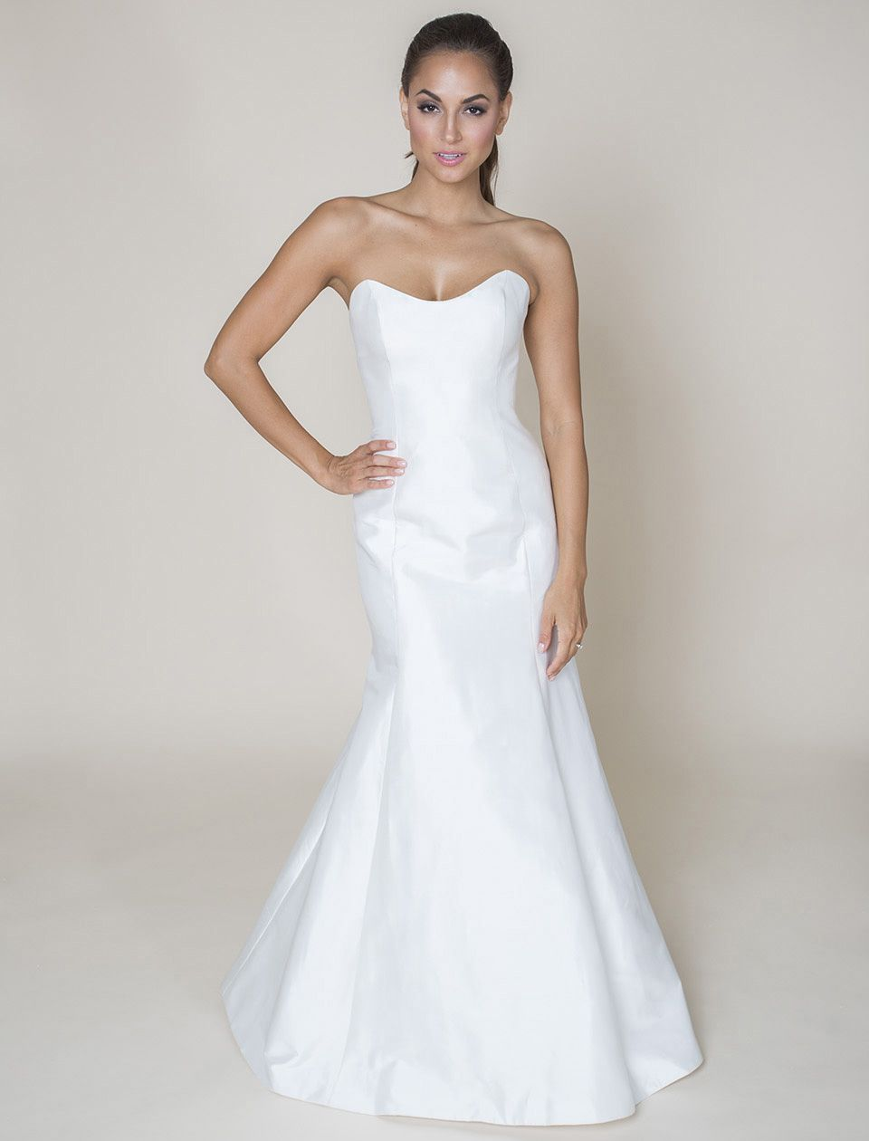 Low Back Wedding Dress Fit And Flare : Sophie paulette flirty and strong this scoop neck fit