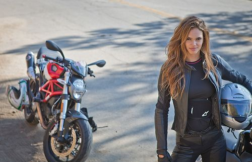 Motorcycle Girl 77 Return Of The Cafe Racers Motorcycle Women Motorcycle Girl Motorcycle Outfit