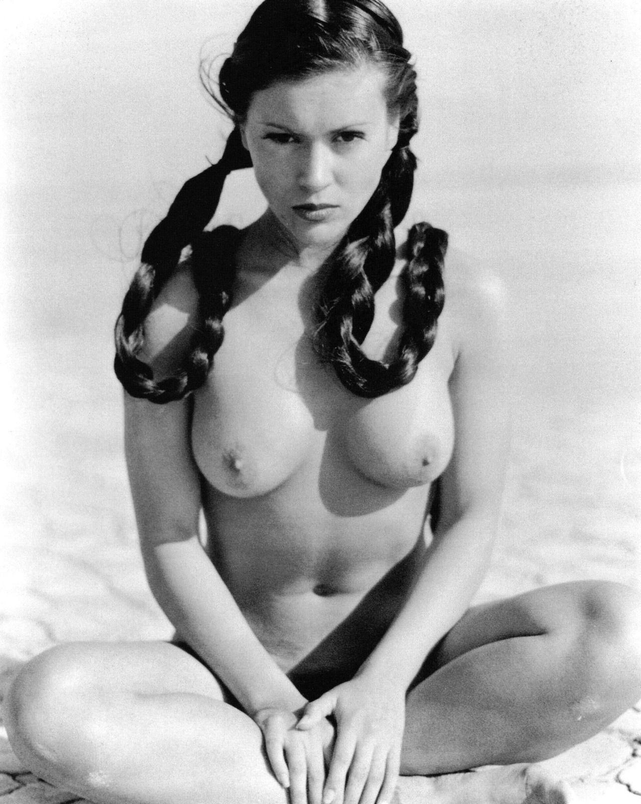 Alyssa Milano Nude Free alyssa milano nude