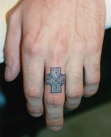 celtic ring tattoo tattoo ideas pinterest. Black Bedroom Furniture Sets. Home Design Ideas