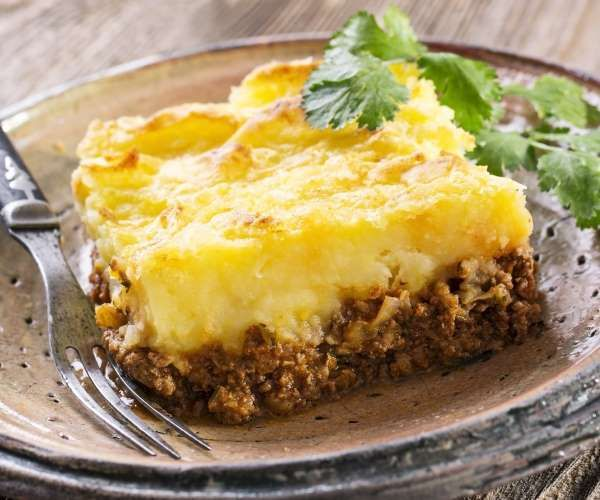 Escondidinho é um daqueles pratos especiais, que alegram a refeição. Seja de carne, frango, sardinha... - Shutterstock