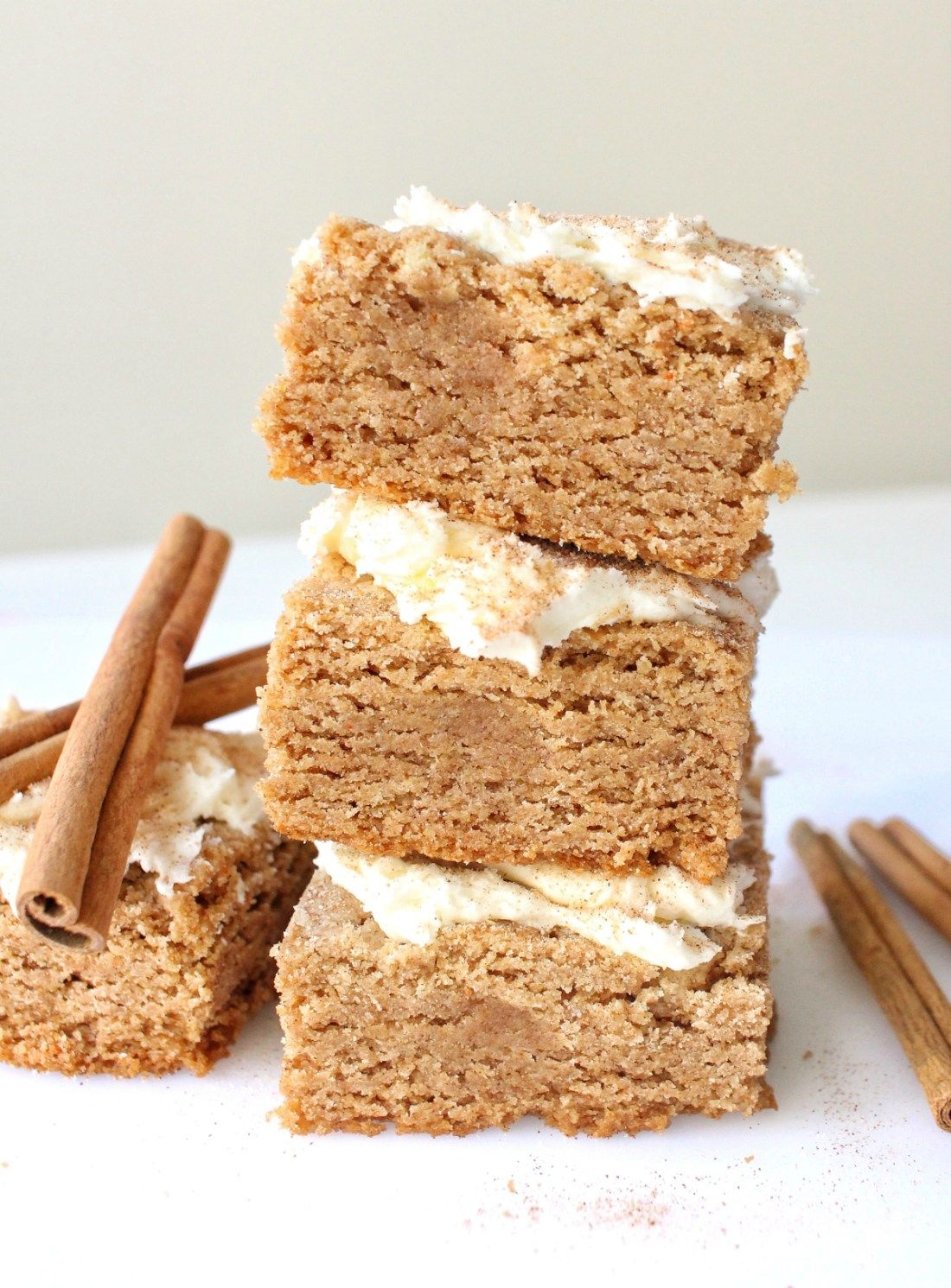 I Made It: Snickerdoodle Cake Batter Blondies | Hungry Blonde #cakebatter