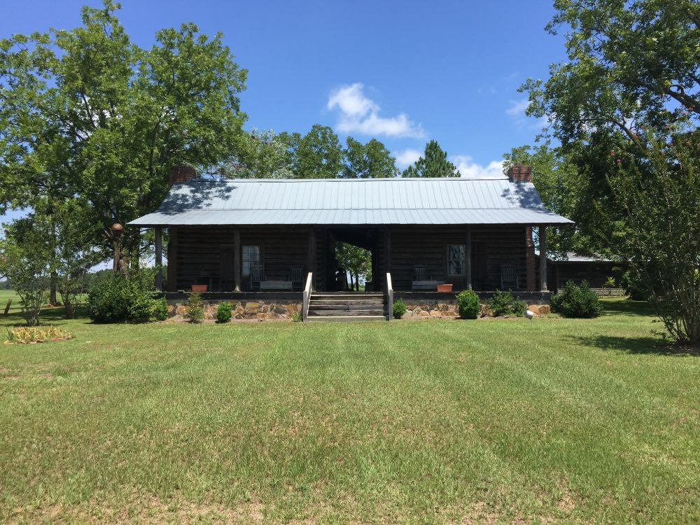 Hand Hewn Dog Trot Cabin Farm Timber In Dooly County Georgia Timber Cordele Old House Dreams