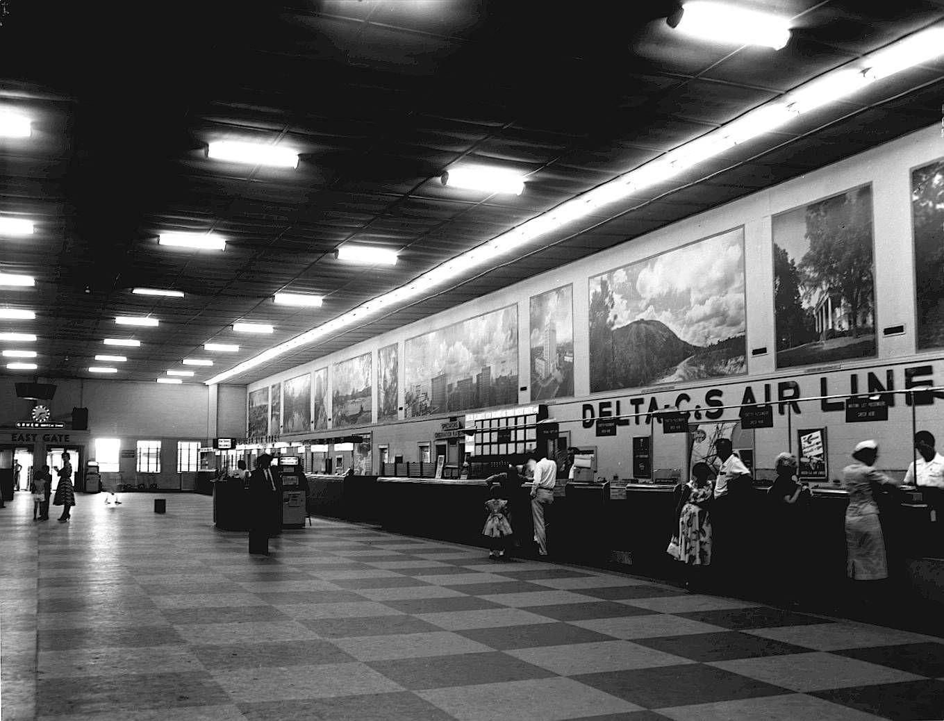 Flashback Photos Delta marks 85 years in Atlanta (With