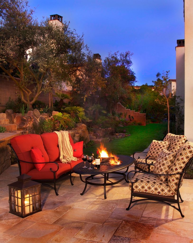 Alumont Santa Barbara Cushion Crescent Love Seat