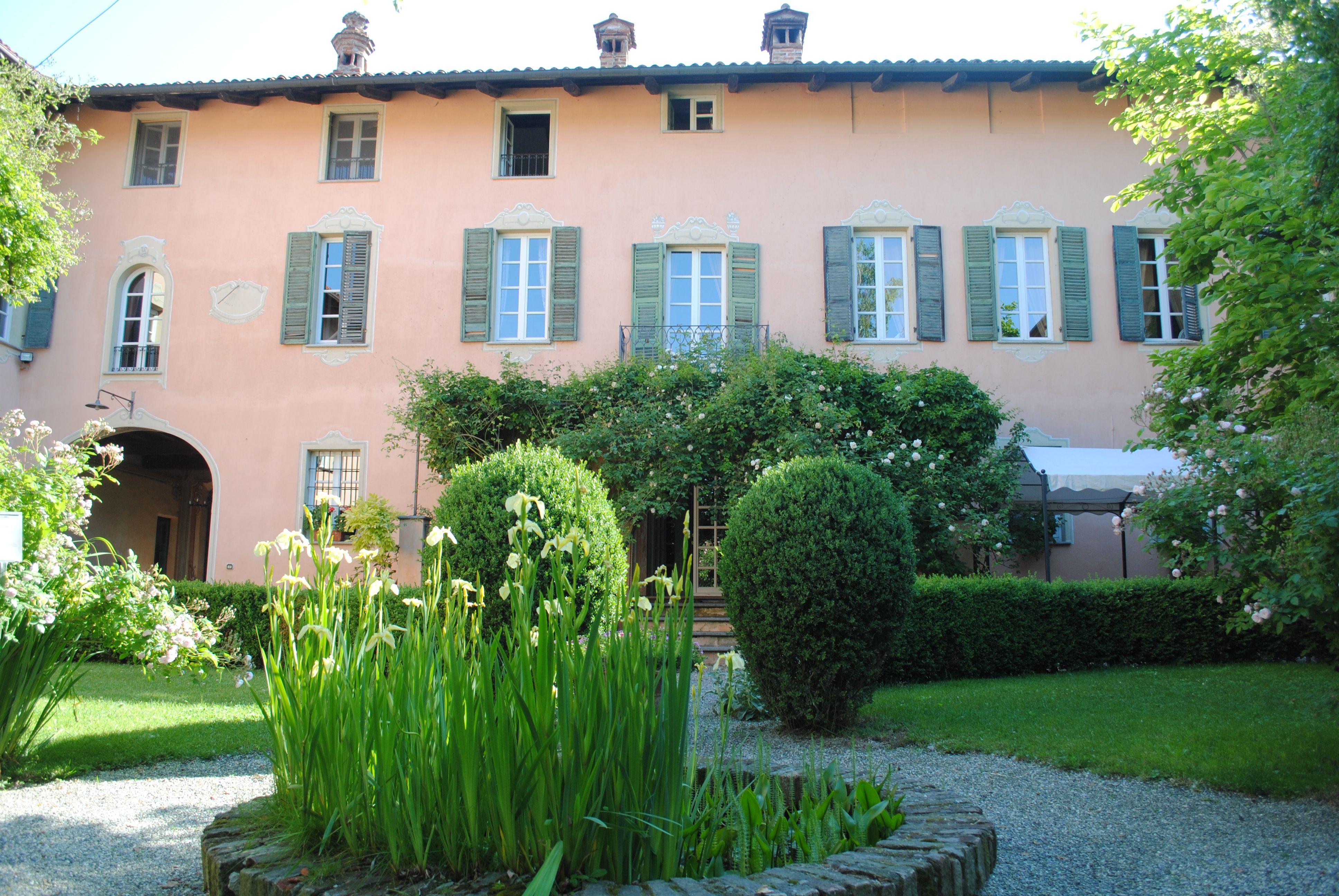 Giardini Piemontesi La Villa Il Palazzo Di Sciolze Nel Chierese