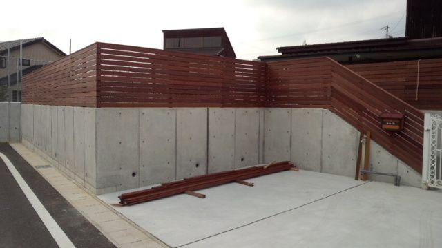 個人宅のフェンス&アプローチ | ウッドデッキの情報が満載! 日本ウッドデッキ協会