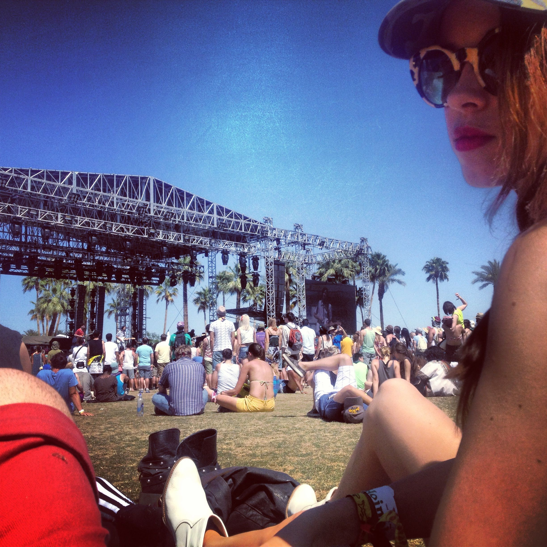 #Coachella #coahella13 #festival #festivalfashion #fashion #coachellastyle #fashionblogger #chillin #sunbathing