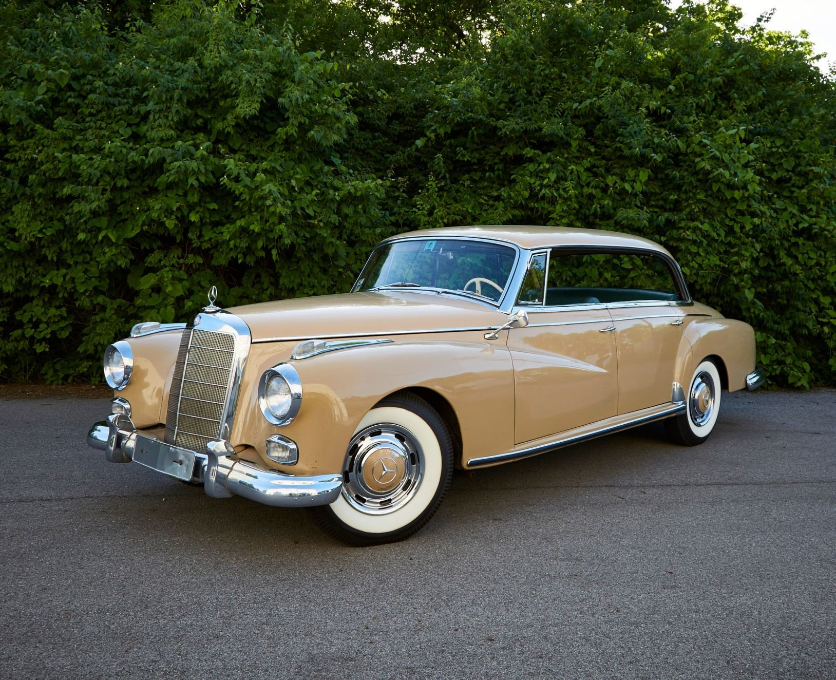 1961 Mercedes-Benz 300d Adenauer