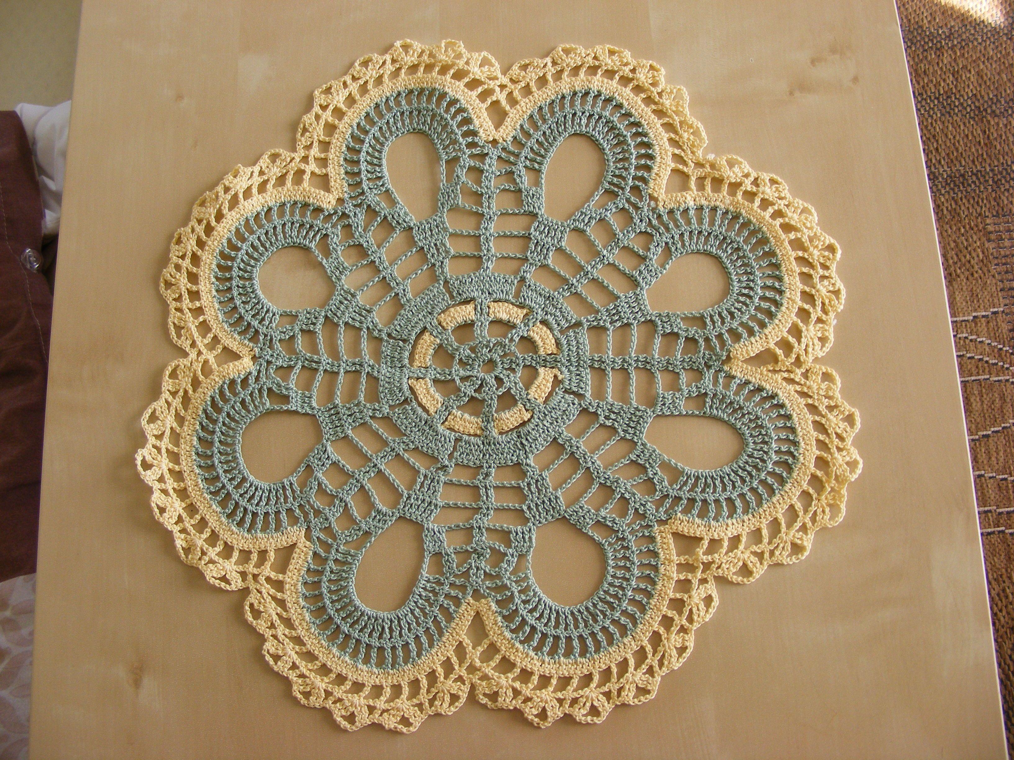 Kleines Filetdeckchen | my crochetworks | Pinterest