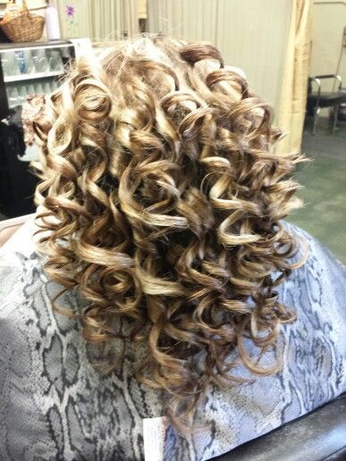 Piggyback Perm Long Hair Think I Want This Sprial Perm Permed Hairstyles Long Hair Styles Short Permed Hair