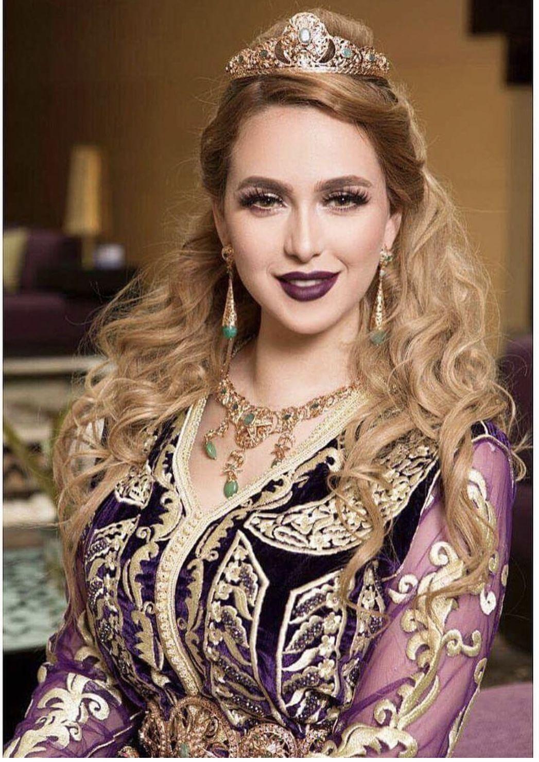 Caftan en 2020 Caftan, Mariée marocaine et Caftan mariage