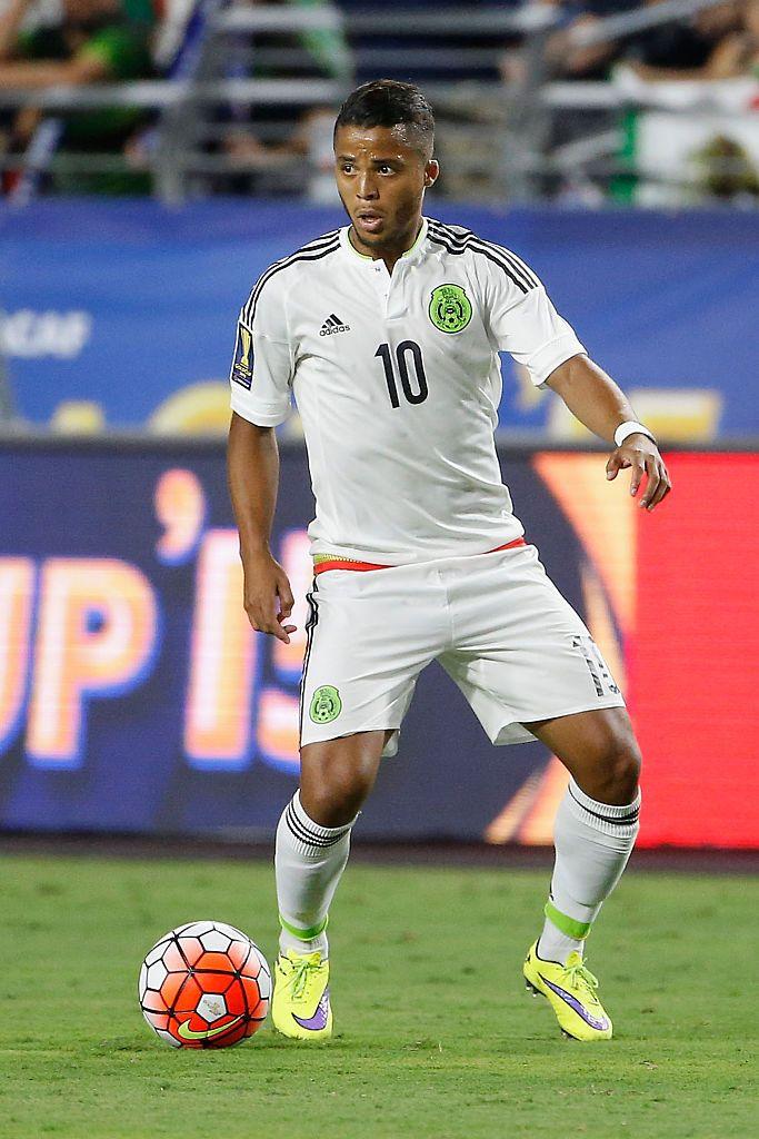 Giovani Dos Santos of Mexico controls the ball during the 2015 ...