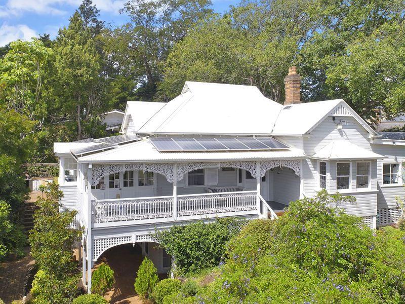 140 Mackenzie Street East Toowoomba Qld 4350 Queenslander House Facade House Australian Homes