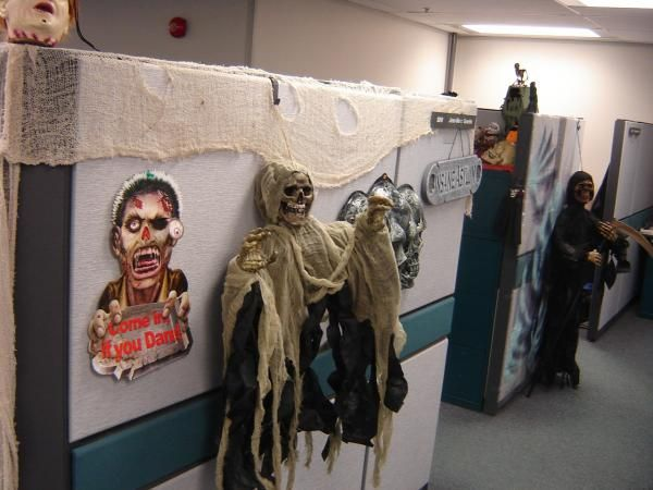 decorating cubicle for halloween found on my computer pics of my