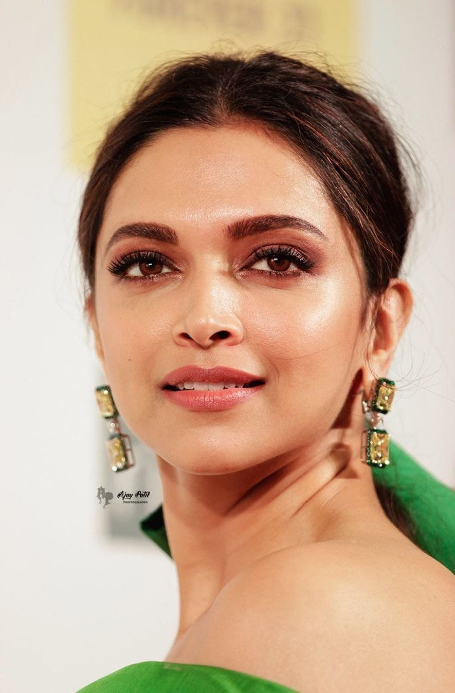 Deepika Padukone Biography Age Height Net Worth Family Movies Buzzzfly Deepika Padukone Style Deepika Padukone Hair Dipika Padukone