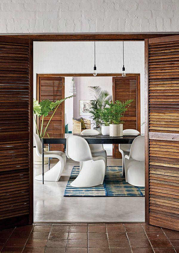 Moody hues tour the home that south african designer and decorator dicey du toit longed for  as seen in house leisure dining room decor design also rh pinterest