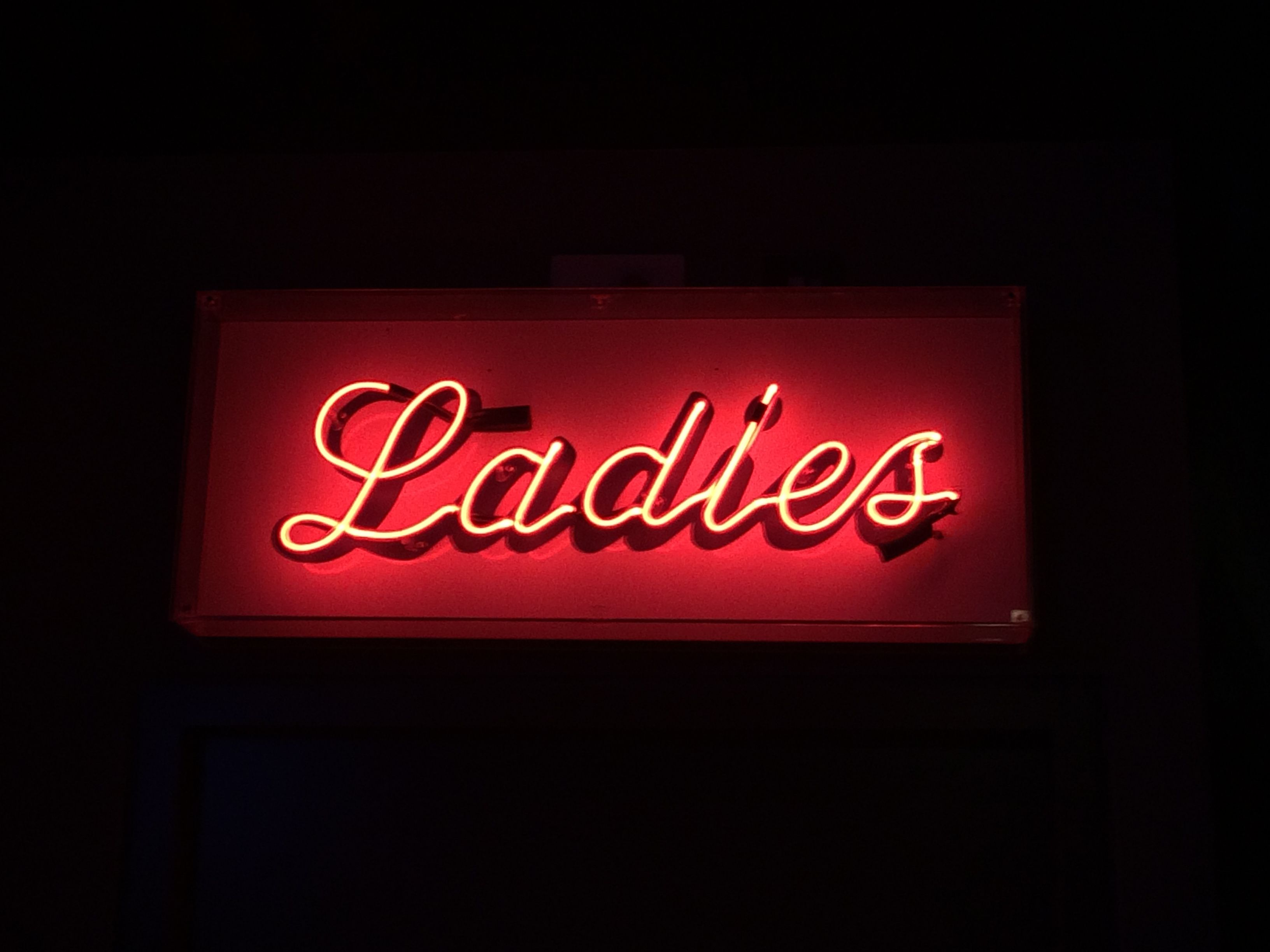 Aesthetic Neon Red Ladies Sign Neon Eikones