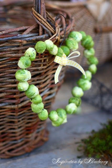 natural brussel sprout wreath | Visit my-blueberry-jam.blogspot.com