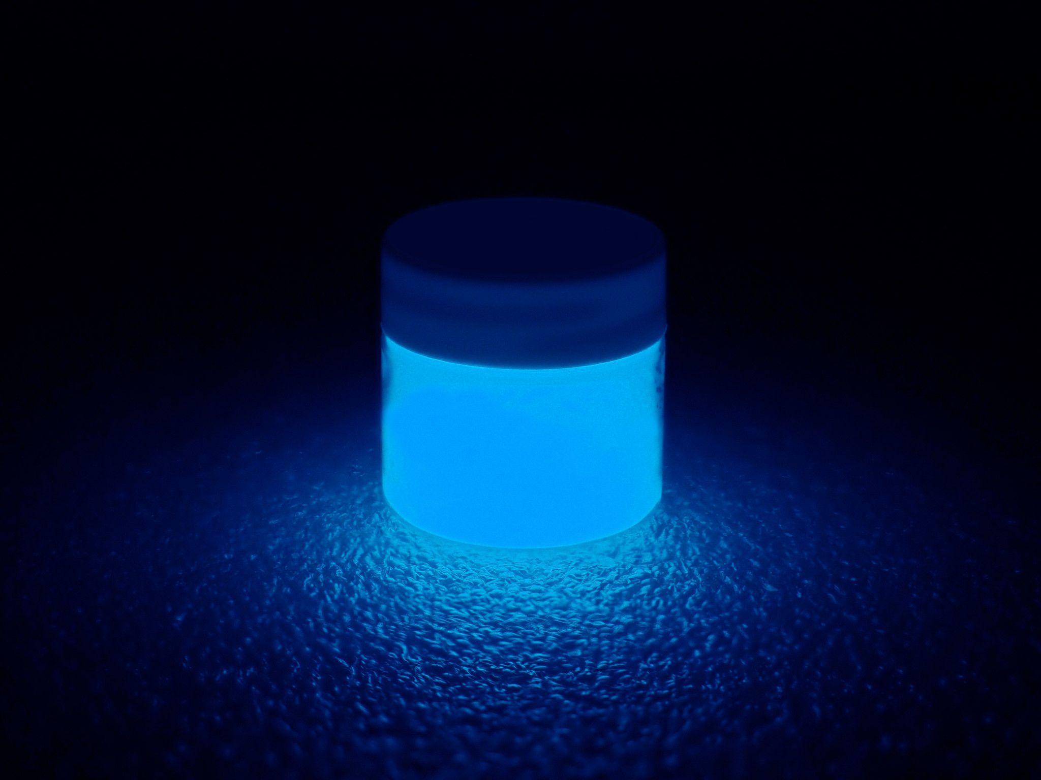 Phosphorescent Glow In The Dark Paint Blue Ultraviolet