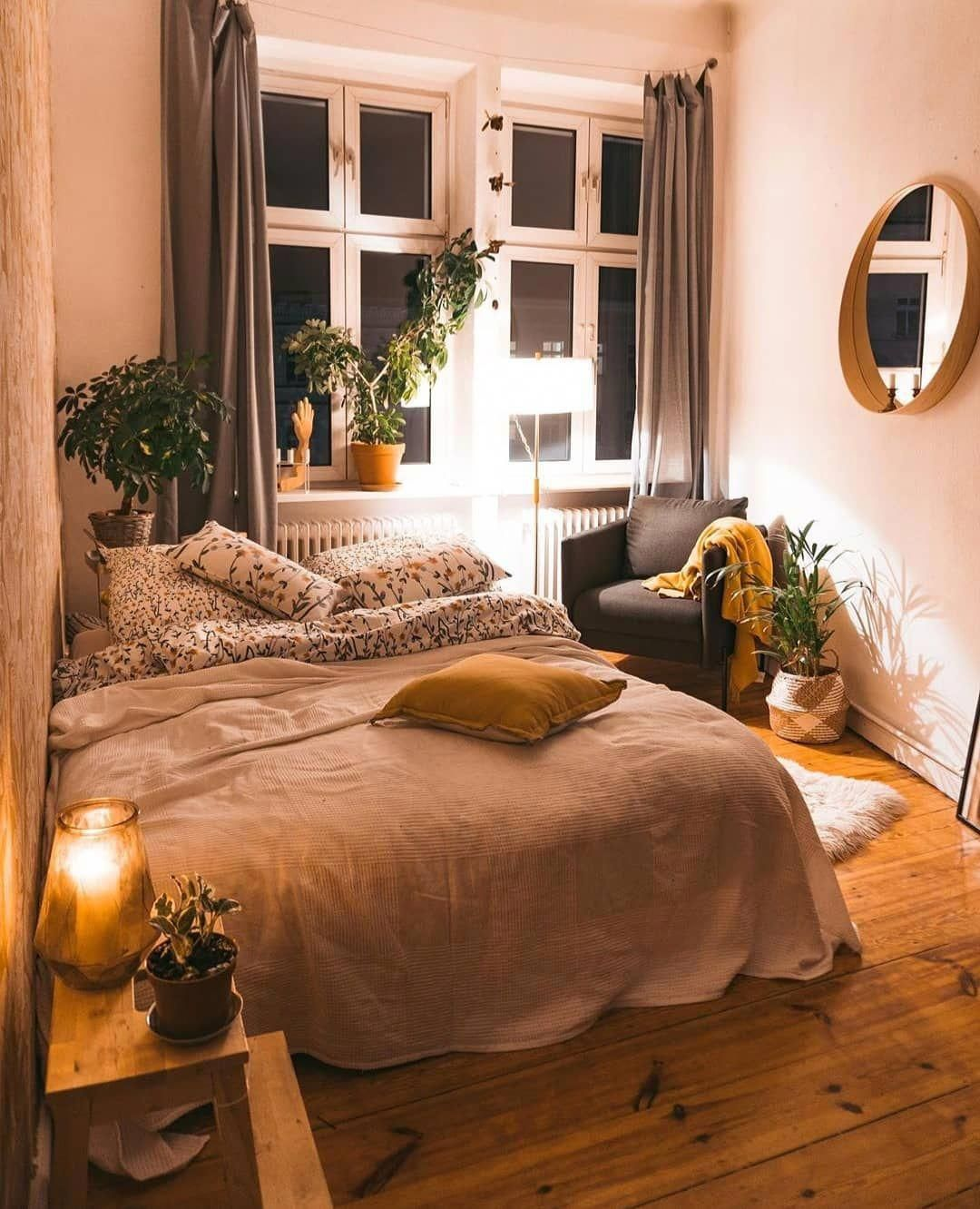 Home Decor Design On Instagram I Love This Cozy Bedroom Especially The Real Wooden Floor Gives Tha In 2020 Home Decor Bedroom Small Bedroom Decor Small Bedroom