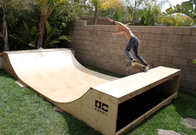 Garage Mini Ramp - Halfpipe | Mini ramp, Skateboard ramps ...