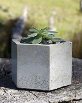 Studio Fiveo3 Hex Planter Medium Grey 02