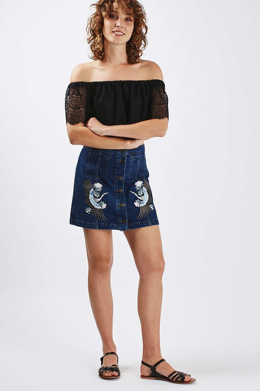 Saia em linha A de jeans com bordados #jeans #bordado - #FocusTextil