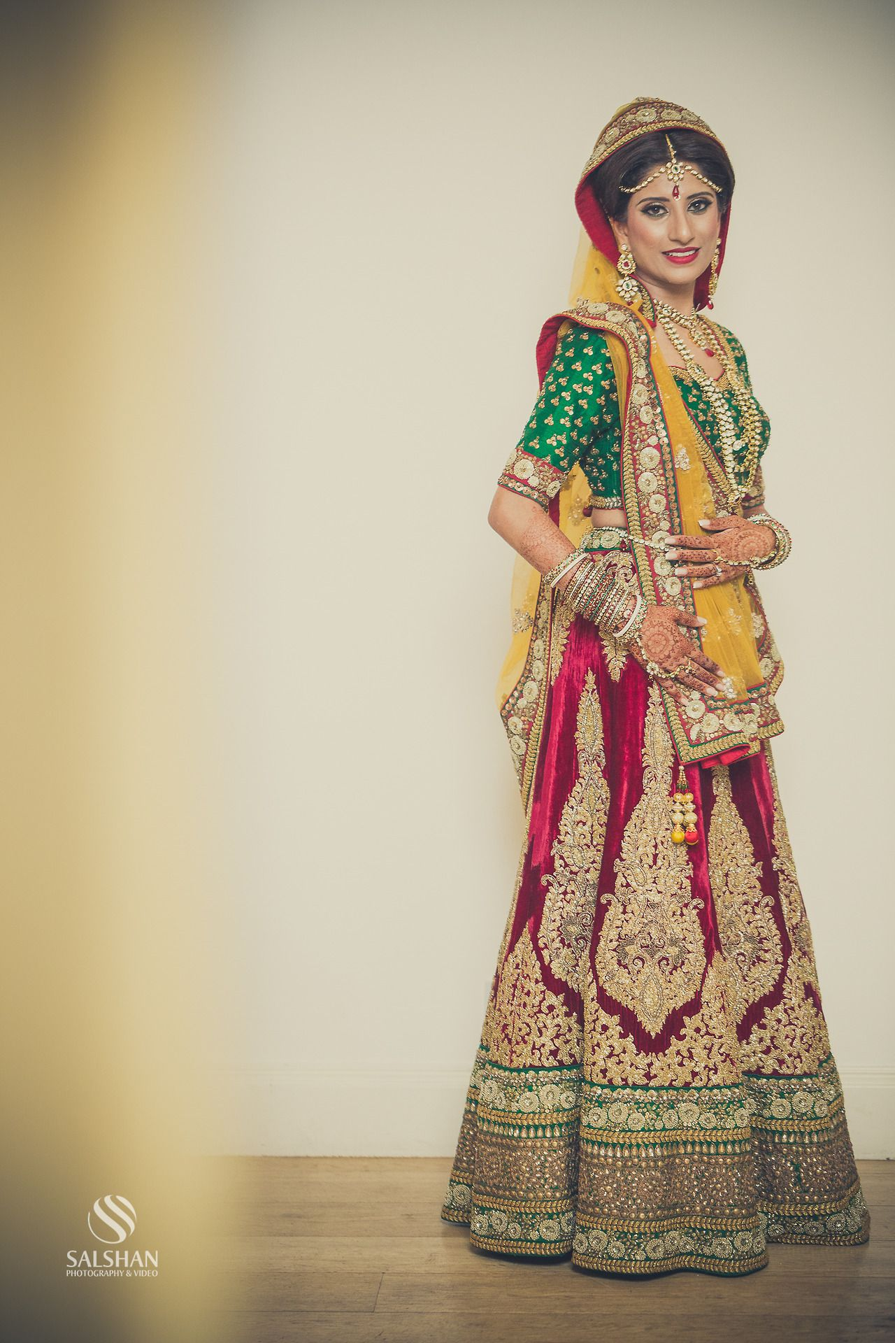Indian wedding photography. Bridal photo shoot ideas. Indian bride ...